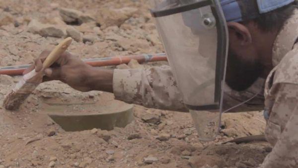 الحوثي يلغم حياة اليمنيين : مسام ينتزع 8602 لغماً خلال شهر مايو زرعتها المليشيا الانقلابية
