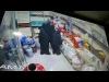 شاهد فيديو صادم من العاصمة صنعاء.. هكذا كانت نهاية عصابة نسائية حاولت السرقة من احد المحلات التجارية وفضحتها كاميرات المراقبة