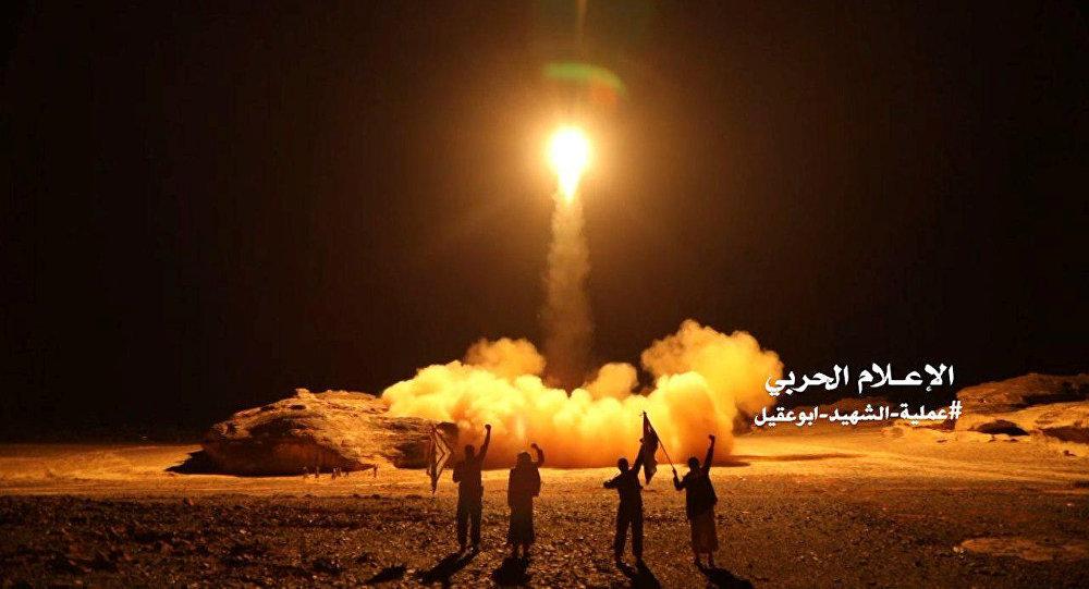 تفاصيل الصاروخ الباليستي الذي انفجر اثناء محاولة الحوثيين اطلاقه وخلف مجزرة في صفوف المليشيات والمدنيين