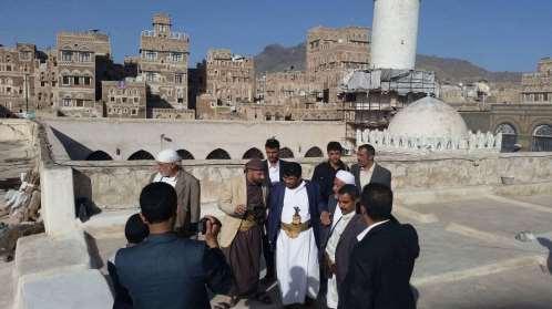 الحوثيون ينهبون آثار ومخطوطات من أربعة جوامع تاريخية