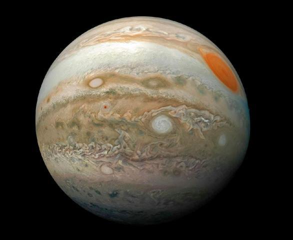 فلكي يمني يكشف عن وقوع ظاهرة فلكية نادرة ستضيء السماء ويُمكن مشاهدتهُا بالعين الليلة .. شاهد ماهي؟
