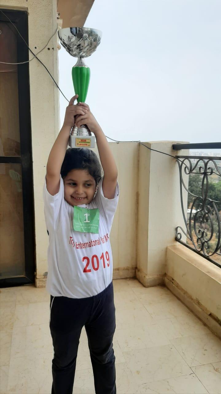 """اليمنية """"آلاء """" تفوز بالمركز الأول في بطولة نصف ماراثون طرابلس الدولي (صور + تفاصيل)"""