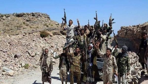 الدفاع تعلن مقتل 90 حوثيا في مواجهات اليوم بجبهات الضالع ـ اب