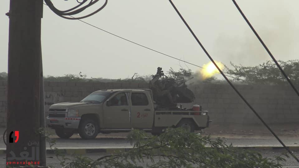 اسقاط طائرة حوثية في التحيتا والدبابات والمدفعية على خط التصعيد الحوثي
