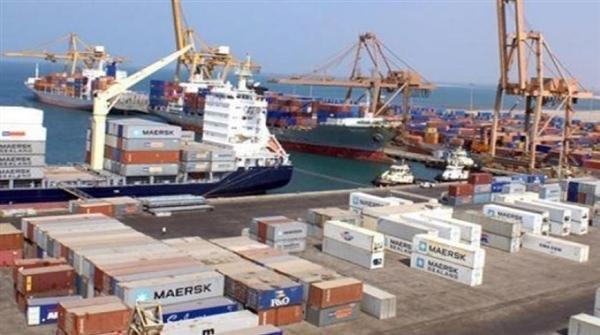 اللجنة الاقتصادية تعلن السماح بدخول 4 سفن تحمل مشتقات نفطية إلى ميناء الحديدة