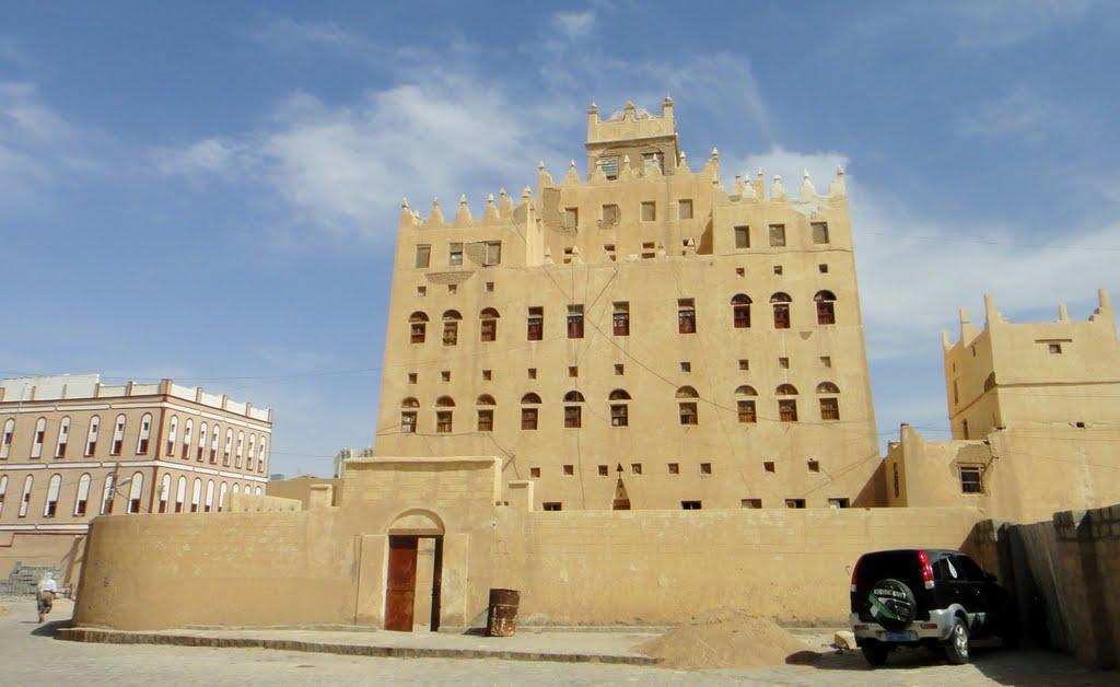وزارة الثقافة والسلطة المحلية بشبوة تتفقان على اعادة تأهيل متحف عتق التاريخي