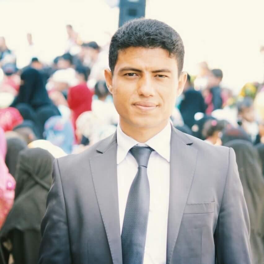 """الناشط السياسي """"الأبارة"""" يؤكد إستعادة الحكومة لثقة الشارع اليمني وثقة المجتمع الدولي (تفاصيل خاصة)"""