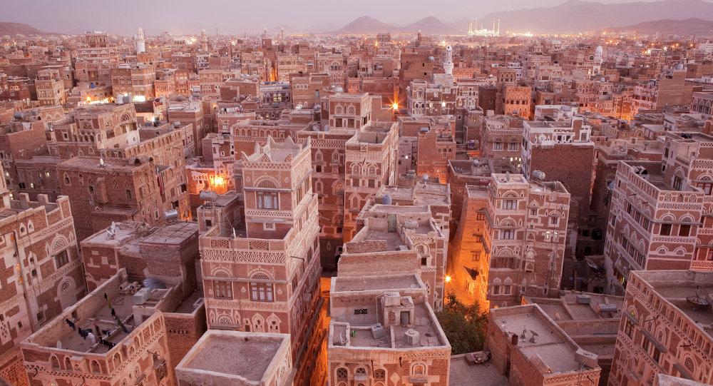 """إعلان طوارئ واستنفار غير مسبوق وانتشار مكثف للمسلحين والمدرعات """"ماذا يحدث في العاصمة صنعاء؟"""""""