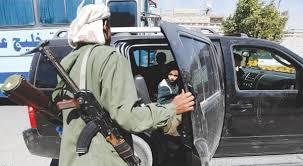 المليشيا تأكل بعضها.. حملة اعتقالات واسعة ضد عناصر الحوثي في صنعاء.. تعرف على السبب !